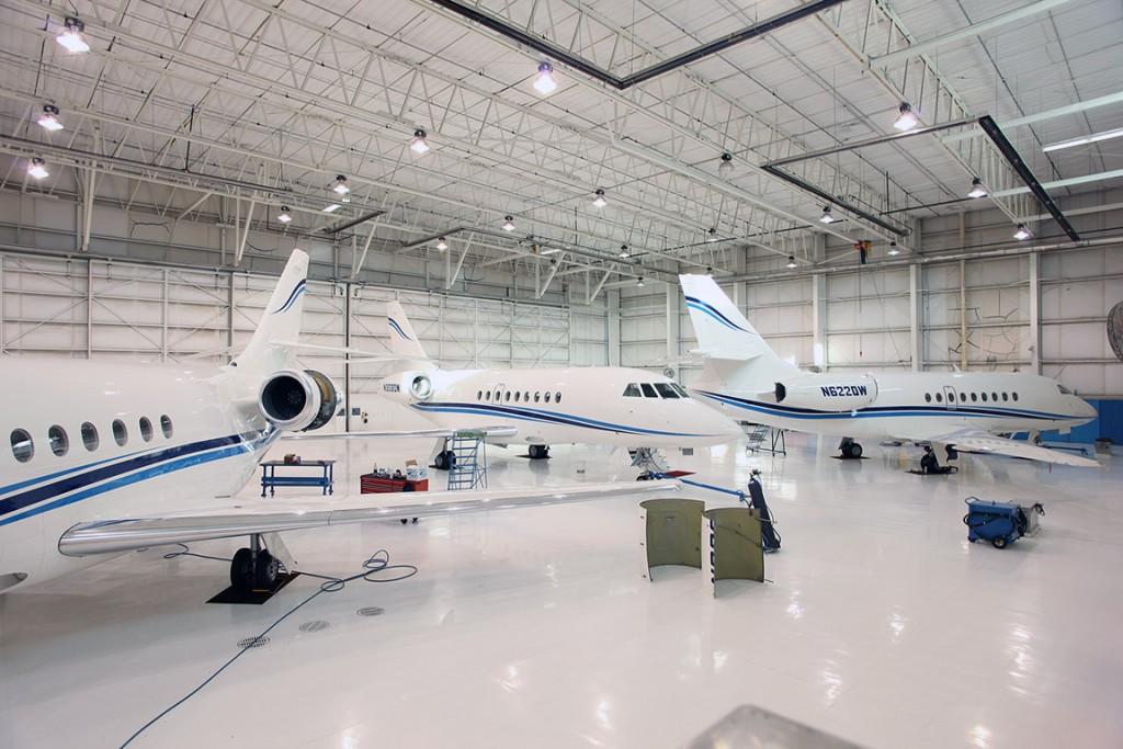 jet-hangar